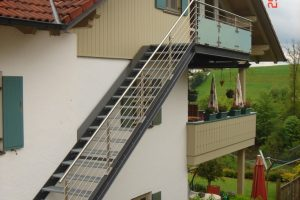 Aussentreppe mit dem Geländer Modell Neapel und Turin